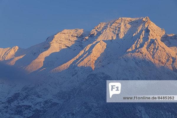 Gro_er Bettelwurf im Morgenlicht  Karwendelgebirge  Innsbruck  Tirol  ÷sterrreich