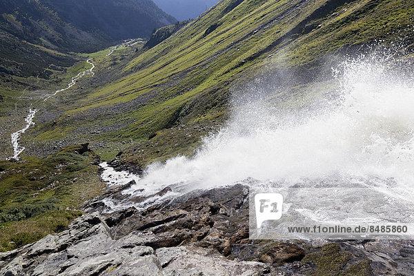 Wasserfall eines Gebirgsbachs  bei Kappl  Paznauntal  Tirol  ÷sterreich Wasserfall eines Gebirgsbachs, bei Kappl, Paznauntal, Tirol, ÷sterreich