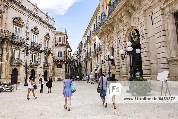Baustelle  Europa  Tourist  Besuch  Treffen  trifft  Platz  Kathedrale  UNESCO-Welterbe  Italien  Ortigia  Sizilien