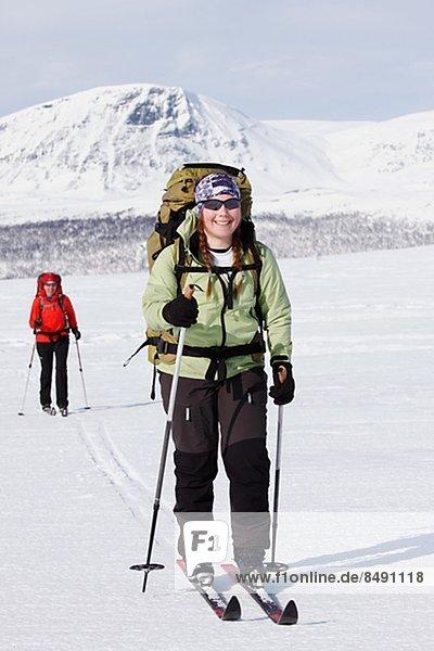überqueren  Frau  Skisport  2  Lappland  Kreuz  Schweden
