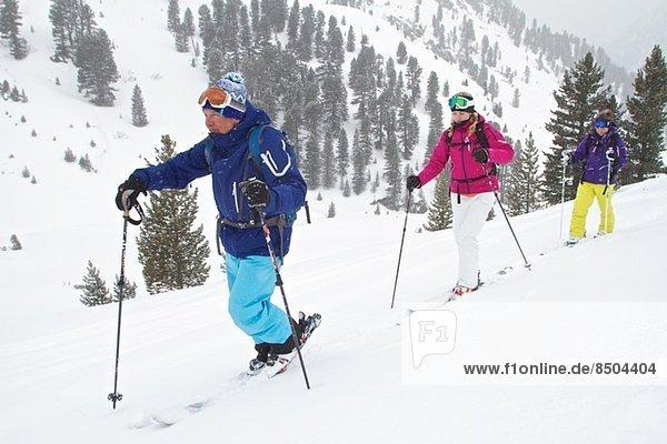 Guide und Kunden Skitouren in Kuhtai  Tirol  Österreich