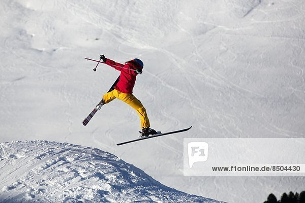 Frau Skispringen in Kuhtai  Tirol  Österreich