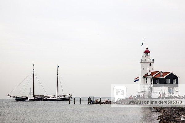 Leuchtturm und Segelboote  Marken  Niederlande