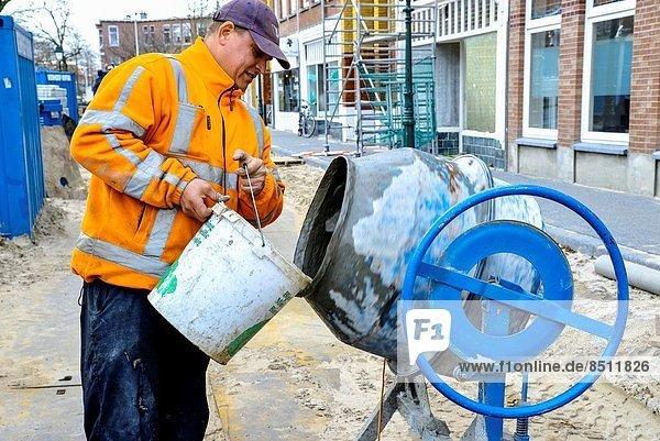 bauen  Wasser  arbeiten  Maschine  füllen  füllt  füllend  mischen