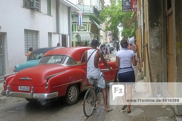 Havanna Hauptstadt Städtisches Motiv Städtische Motive Straßenszene Straßenszene Auto Retro Kuba