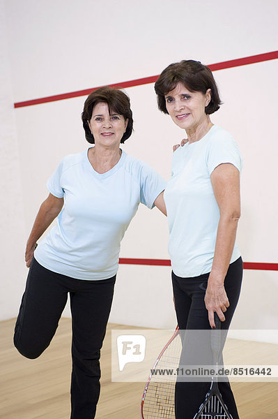 Senior  Senioren  Vorbereitung  Hispanier  Zwilling - Person  Spiel