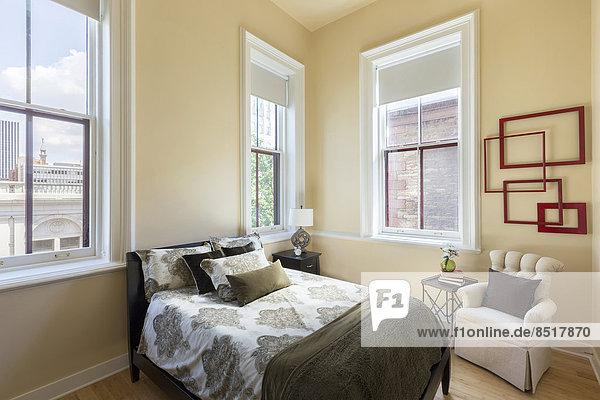 Schlafzimmer Bett Sessel