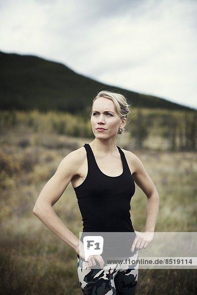 Außenaufnahme  blond  Frau  Sport  üben  jung