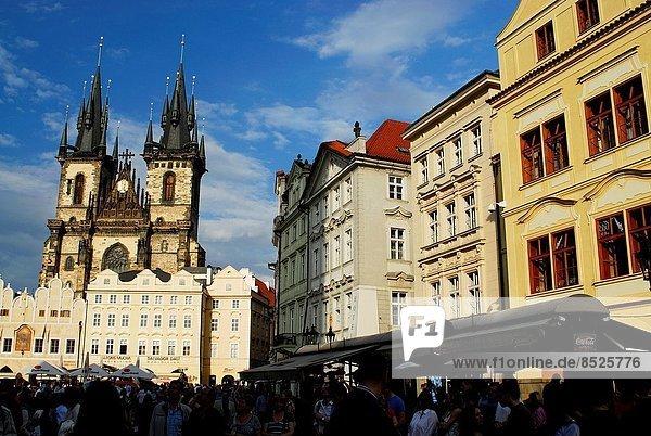 Prag  Hauptstadt  Großstadt  Kirche  Quadrat  Quadrate  quadratisch  quadratisches  quadratischer  Tschechische Republik  Tschechien  alt