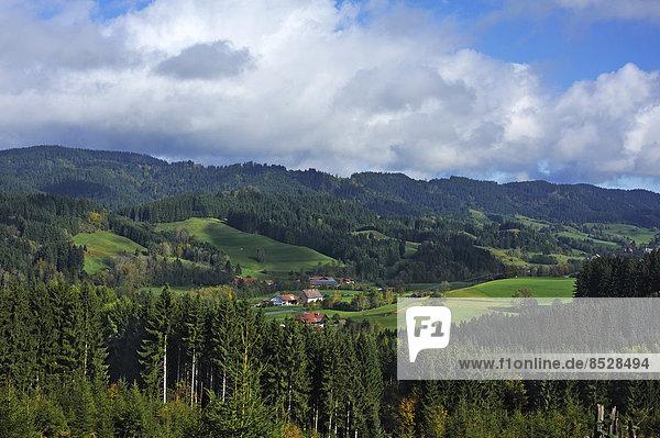 Berg Landschaft Ansicht Wald Bayern Deutschland