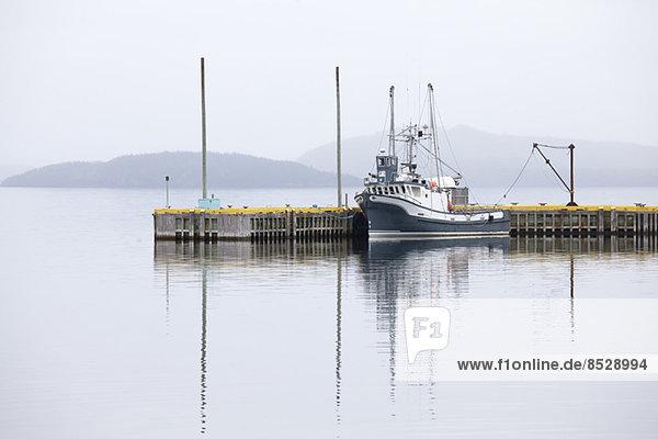 Liegeplatz für Fischerboote am Dock