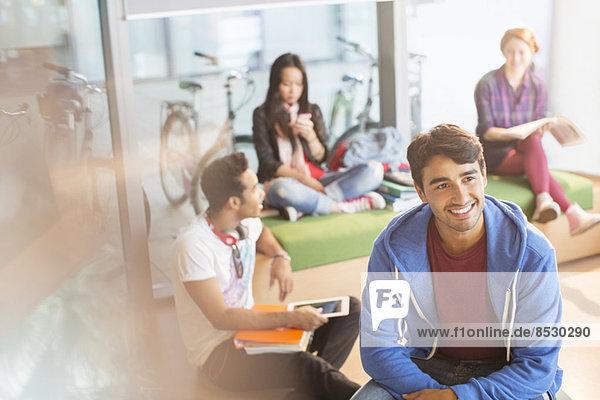Studenten in der Lounge