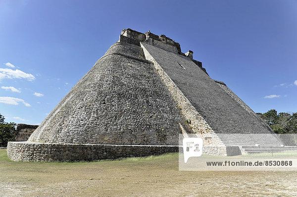 Adivino-Pyramide oder Pyramide des Zauberers  UNESCO-Welterbe  Uxmal  Region Yucatán  Mexiko