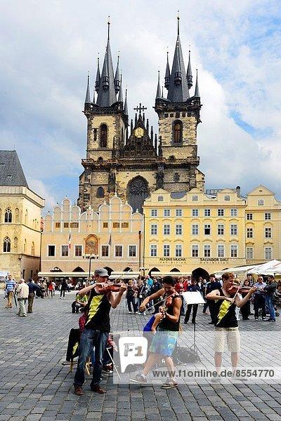 Prag  Hauptstadt  Europa  Stadt  Kirche  Quadrat  Quadrate  quadratisch  quadratisches  quadratischer  zeigen  Tschechische Republik  Tschechien  Tyn  alt