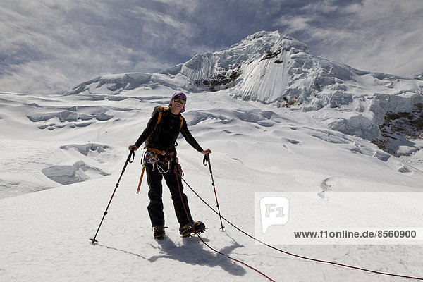 Bergsteiger am Nevado Tocllaraju  Cordillera Blanca  Peru