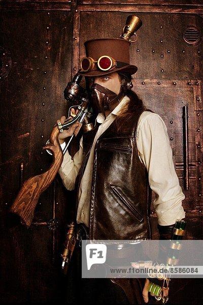 Mann im Steampunk-Stil