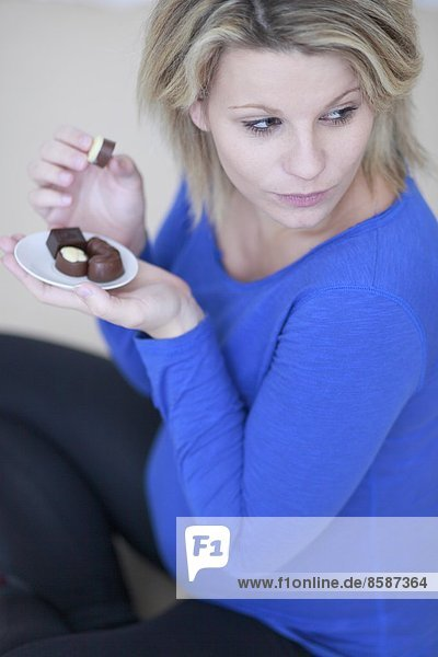 Frankreich  Schwangere und Schokolade.