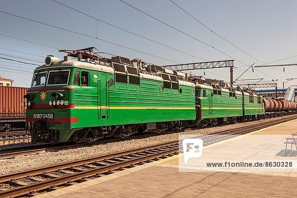 Güterzug  Samarkand  Usbekistan