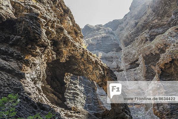 Felsenbogen in der Masca-Schlucht  Vulkangestein  Teneriffa  Kanarische Inseln  Spanien