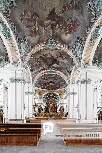 Kathedrale katholisch Kirchenschiff Schweiz