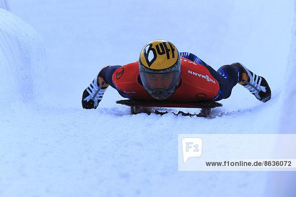 Skeletonfahrer beim Skeleton-Weltcup in Igls  Innsbruck  Inntal  Tirol  Österreich