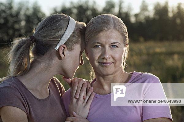 Nahaufnahme von Mutter und Tochter