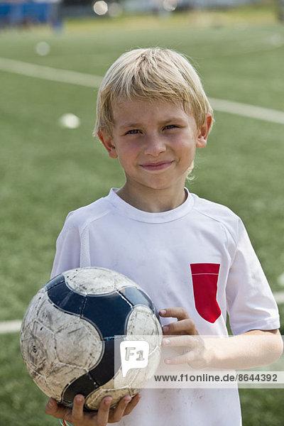 Portrait des Jungen  lächelnd