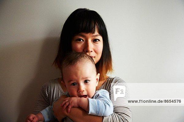Porträt der Mutter mit dem kleinen Jungen