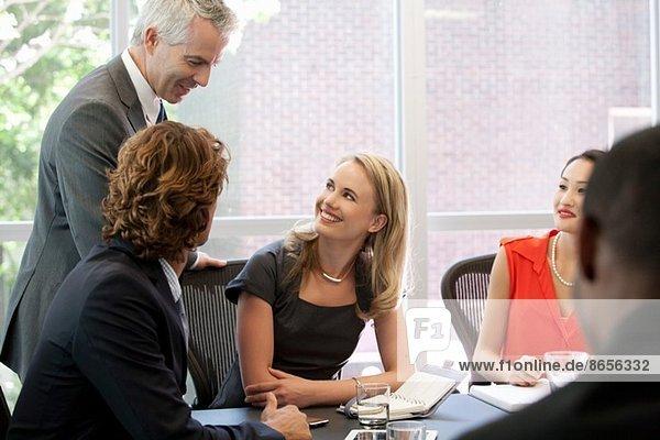 Geschäftskollegen  die sich gerne treffen
