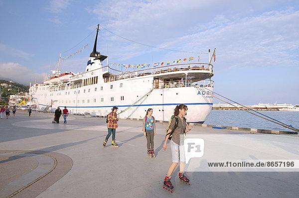 Hafen von Jalta  Groß-Jalta  Krim  Ukraine
