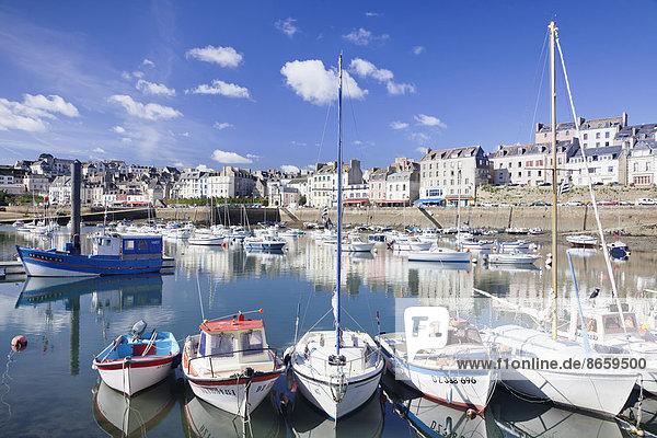 Boote im Hafen von Douarnenez  Département Finistère  Bretagne  Frankreich