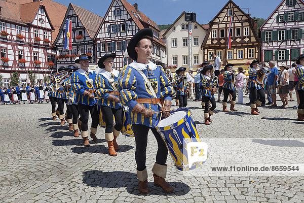 Historischer Festumzug  Schäferlauf  Bad Urach  Baden-Württemberg  Deutschland