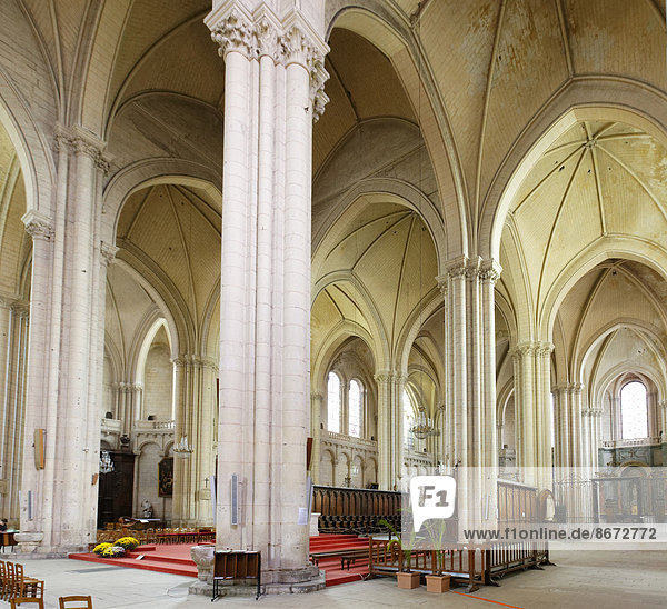 Cathédrale Saint-Pierre de Poitiers oder Kathedrale von Poitiers  Poitiers  Vienne  Poitou-Charentes  Frankreich