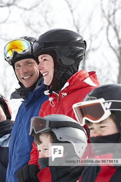 Europäer  Ski  Kleidung  Fahrgestell  Schnee