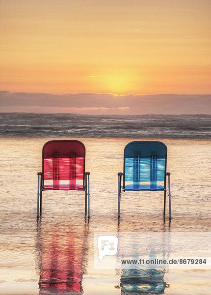 Stuhl  Strand  Sonnenuntergang  Rasen