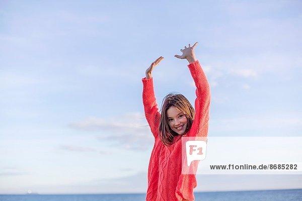 Portrait  Spiel  lächeln  Strand  jung  Mädchen