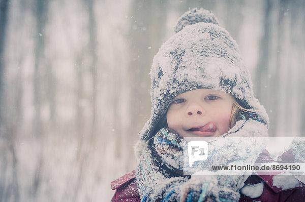 Junge im Schnee  Portrait