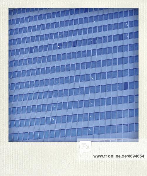 Deutschland  Nordrhein-Westfalen  Düsseldorf  Teil der Fassade eines Bürogebäudes