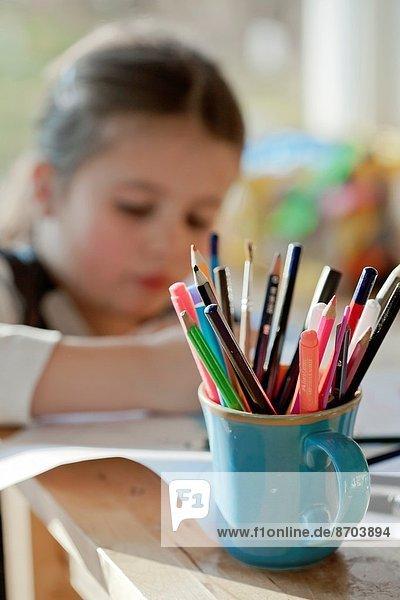 Papier  Zeichnung  Mädchen