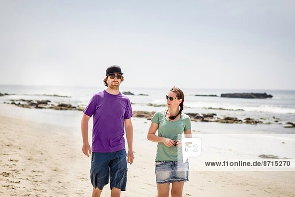 Junges Paar am Strand  Laguna Beach  Kalifornien  USA