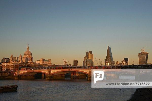 Blackfriars Brücke  London  England  Großbritannien
