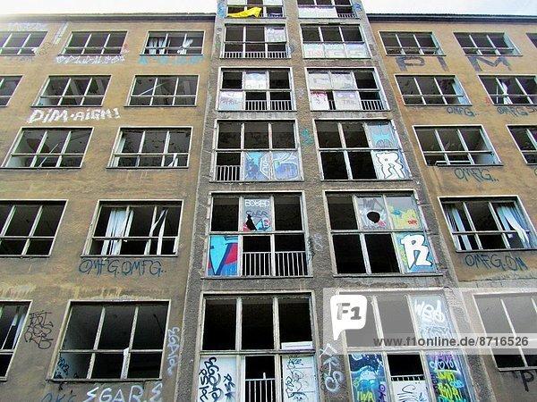 Berlin  Hauptstadt  Europa  Osten  Gebäude  verlassen  1  Größe  Deutschland
