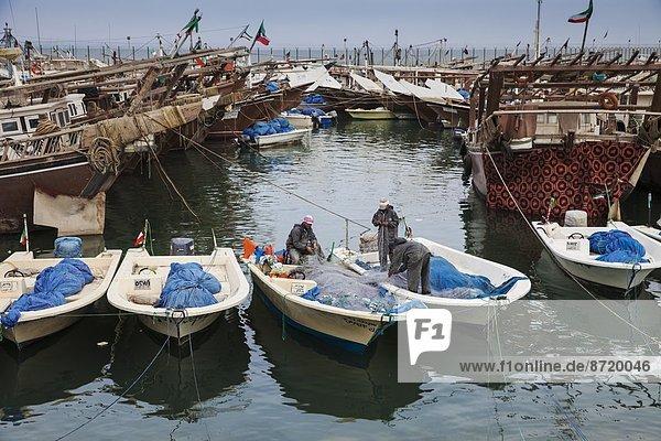 Hafen  Boot  Schiff  angeln  Naher Osten  Kuwait  alt