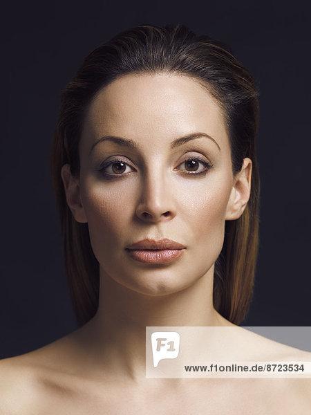Frau mit natürlichem Make-up  Portrait