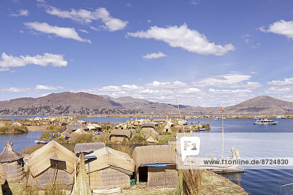 Floating Uro Islands  Lake Titicaca  Puno  Peru
