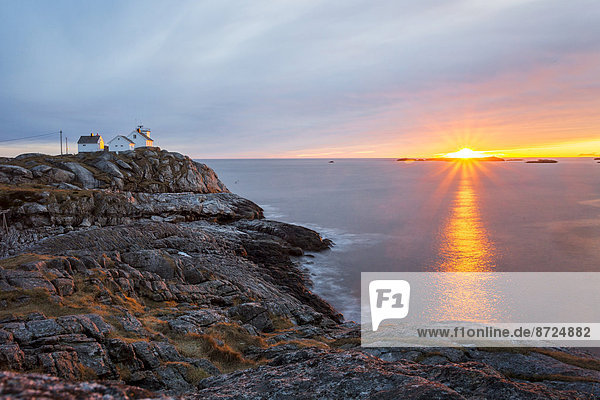 Sonnenuntergang Küste Norwegen Lofoten Austvagoy Henningsvaer