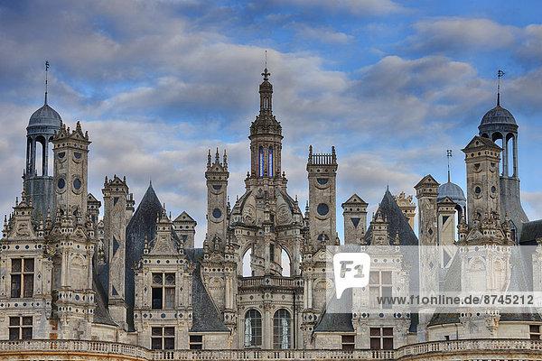 hoch  oben  nahe  Frankreich  Palast  Schloß  Schlösser  UNESCO-Welterbe  Chambord  Loiretal  Loir-et-Cher