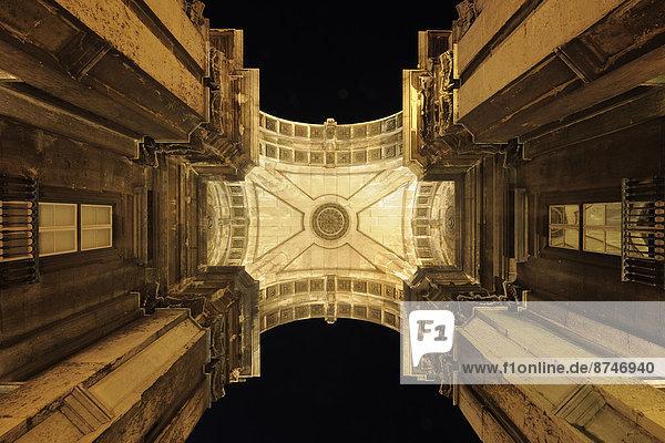 Lissabon  Hauptstadt  hoch  oben  beleuchtet  sehen  Nacht  Arco  Augusta  Baixa  Portugal  Praca Do Comercio