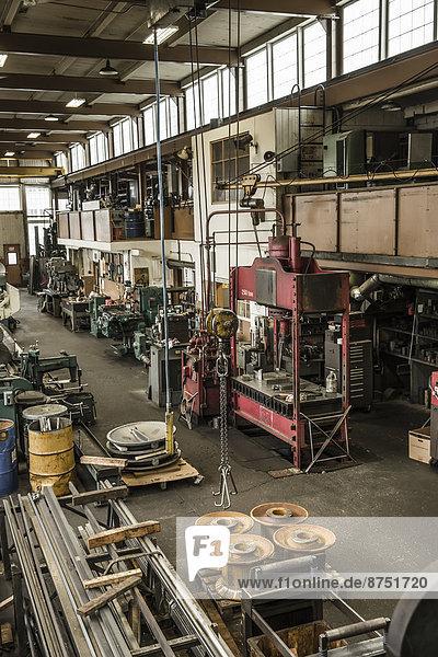 Maschine  Laden  Metall