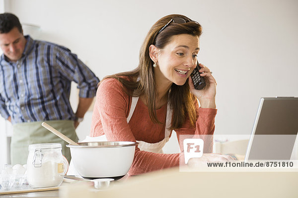 benutzen  sprechen  Notebook  Telefon